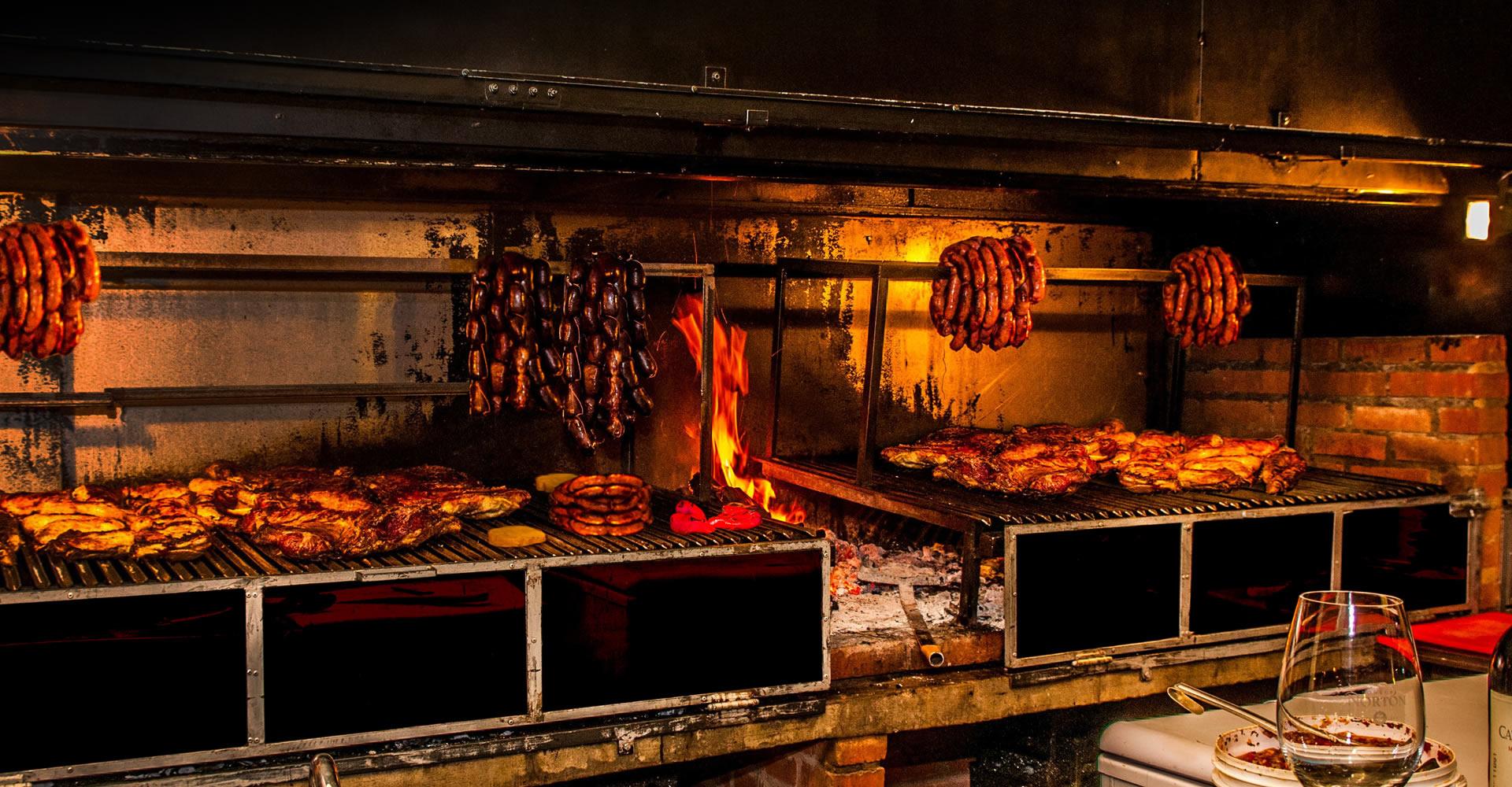 El Quincho del Tío Querido | Parrilla Restaurante. Cataratas del Iguazú.